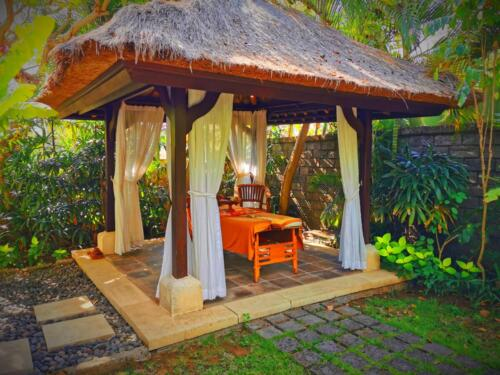 Външно масажно студио