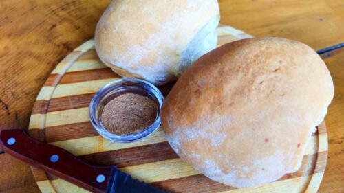Домашен хляб с шарена сол
